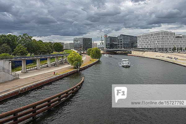 Excursion boat on the Spree  behind Berlin Central Station  Berlin  Germany  Europe