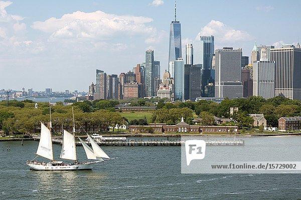 Schooner Adirondack sailing in New York Harbor on sightseeing cruise.
