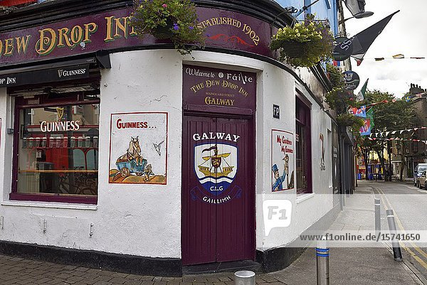 The Dew Drop Inn pub  Mainguard Street  Galway Galway  Connemara  County Galway  Republic of Ireland  North-western Europe.