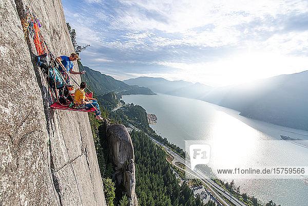 Großwandklettern mit portaledge  Squamish  Britisch-Kolumbien  Kanada