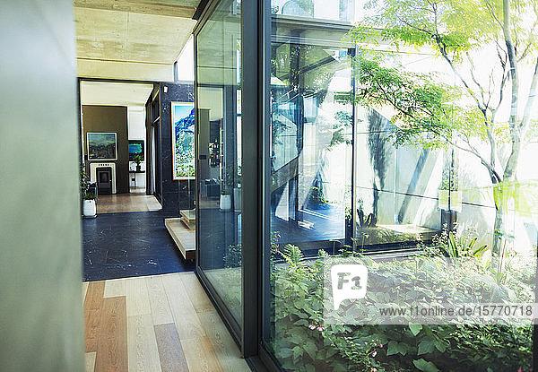 Modern  luxury home showcase interior with courtyard