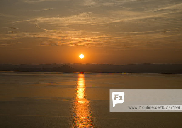 Sonnenuntergang am Gardasee  Italien