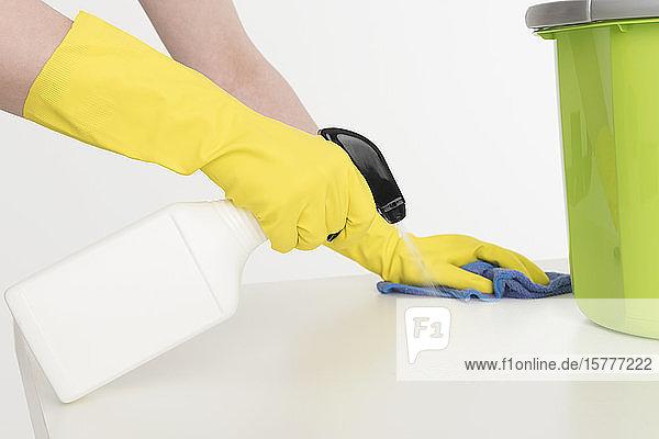 Reinigen einer Oberfläche Reinigen einer Oberfläche