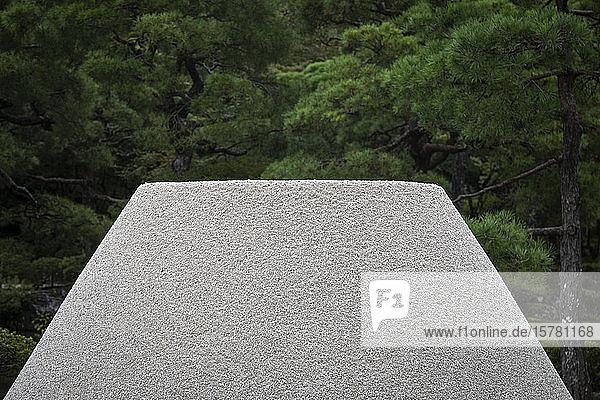 Japan  Präfektur Kyoto  Kyoto  Nahaufnahme des japanischen Steingartens im Ginkaku-ji-Tempel
