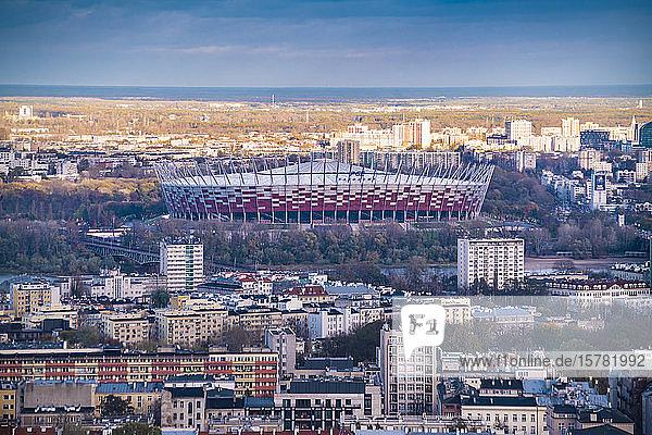 Blick auf das Fussballstadion PGE Narodowy vom Palast der Kultur und Wissenschaft  Warschau  Polen