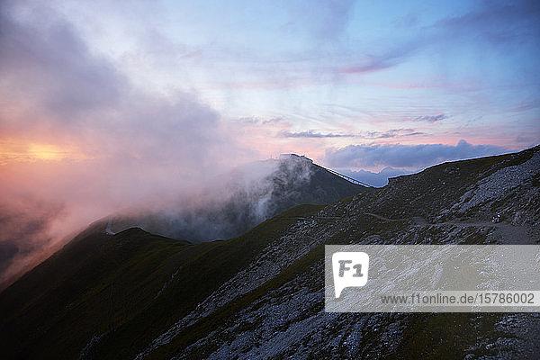 Österreich  Tirol  Axamer Lizum bei Sonnenuntergang