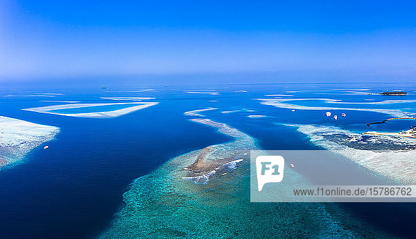 Maldives  Aerial view of Kandoomafushi and Guraidhoo islands in summer
