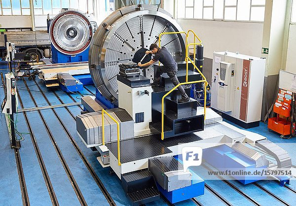 Machining Centre  CNC  Horizontal turning and Milling lathe. Design  manufacture and installation of machine tools  Metal industry  Mechanical workshop