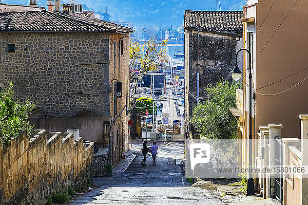Spain  Mallorca  alley in Port de Soller