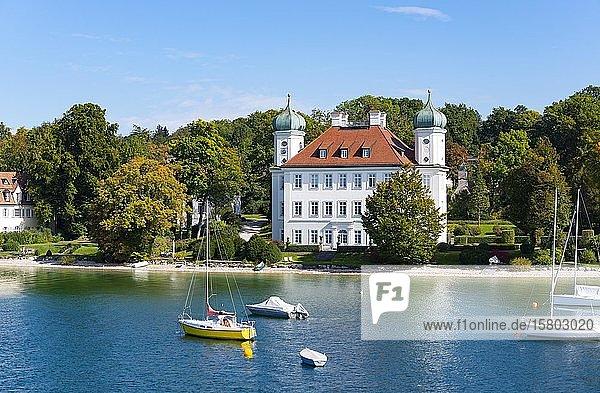 Schloss Ammerland oder Pocci-Schloss bei Münsing  Starnberger See  Fünfseenland  Oberbayern  Bayern  Deutschland  Europa