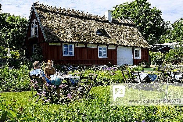 Gartencafé  Flickorna Lundgren På Skäret  Skäret  Halbinsel Kullen  Schonen  Skane  Skåne län  Südschweden  Schweden  Europa