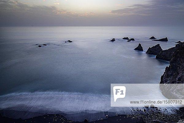 Abendstimmung an der Atlantikküste  La Palma  Kanaren  Spanien  Europa
