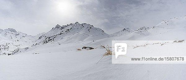 Klammspitzen im Winter  verschneite Berglandschaft  Wattentaler Lizum  Tuxer Alpen  Tirol  Österreich  Europa