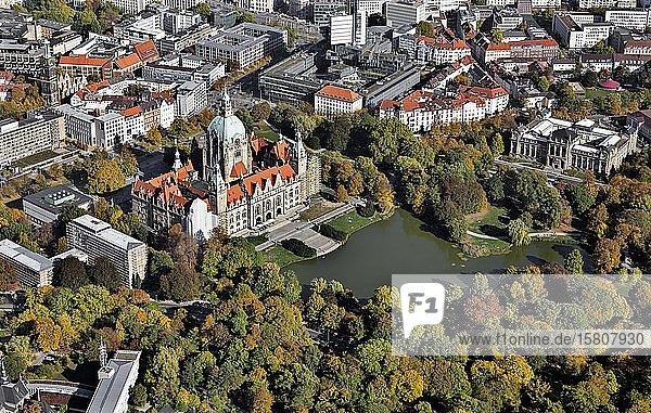 Neues Rathaus  Niedersächsisches Landesmuseum  Maschpark  Hannover  Niedersachsen  Deutschland  Europa