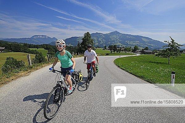 Cyclists on the Penningberg  Hopfgarten  Kitzbühel Alps  Tyrol  Austria  Europe