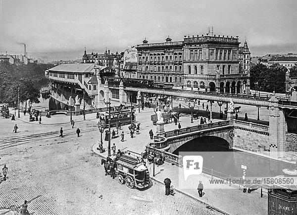 Hochbahn am Halleschen Tor  historische Aufnahme  ca. 1920  Berlin  Deutschland  Europa