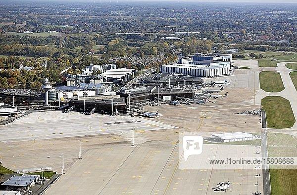 Hanover Airport  Terminal  Terminal buildings  Apron  Langenhagen  Lower Saxony  Germany  Europe