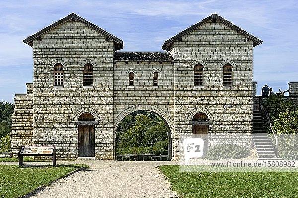 Römerkastell Kastell Biriciana  rekonstruiertes Nordtor  Porta decumana  Weißenburg in Bayern  Mittelfranken  Franken  Bayern  Deutschland  Europa