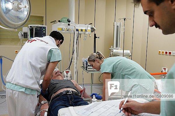Notfallmedizin und Notfallversorgung  emergency Medicine und Urgent Care  Karlsbad  Tschechien  Europa