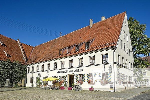 Gasthof zum Adler  ehemaliger herrschaftlicher Zehentstadel  Kirchheim in Schwaben  Schwaben  Bayern  Deutschland  Europa