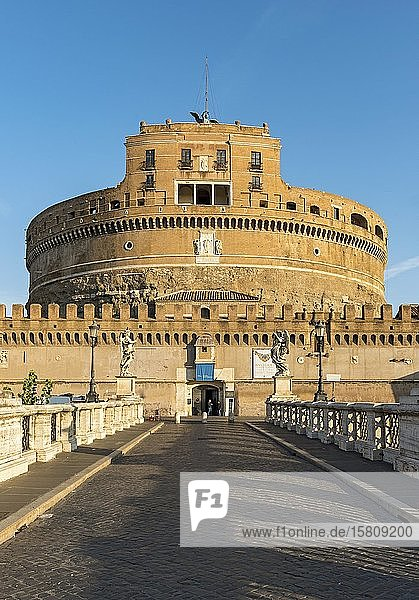 Sant'Angelo-Brücke und Castel Sant'Angelo  Rom  Italien  Europa