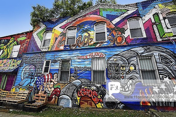 Graffiti on Broad Street of Staten Island  New York City  New York State  USA  North America