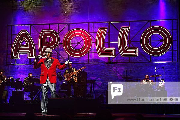 Be good or be gone-Show im Apollo-Theatre in Harlem  New York City  New York State  USA  Nordamerika