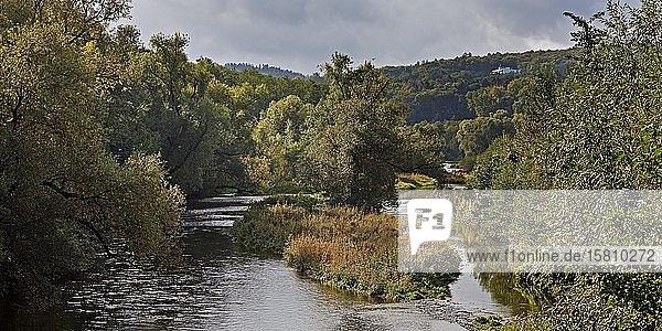 Fluss Elbsche fließt in die Ruhr in Wengern  Wetter  Ruhrgebiet  Nordrhein-Westfalen  Deutschland  Europa