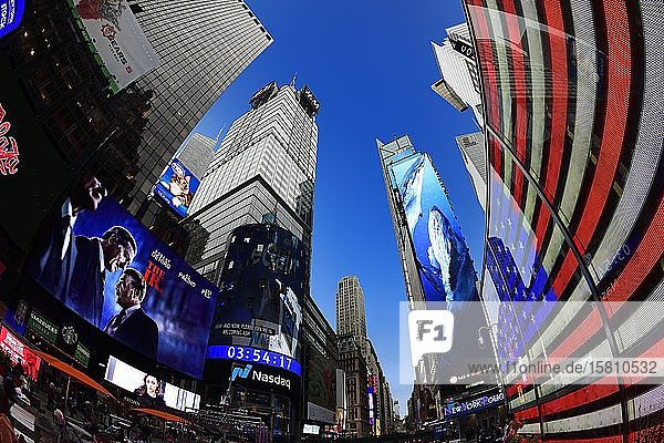 US Armed Forces Recruiting Office in Times Square  Manhattan  New York City  New York State  USA  North America