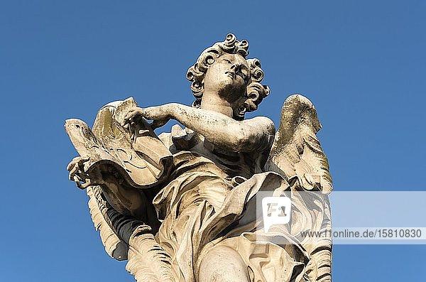 Engelsfigur  Ponte Sant'Angelo-Brücke  Rom  Italien  Europa