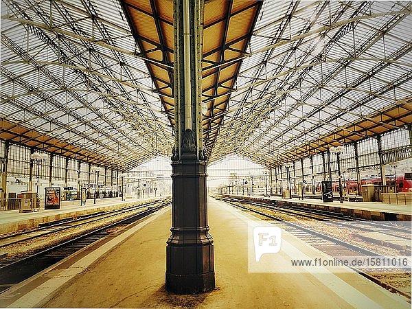 Tours Stadt  Hauptbahnhof  Departement Indre-et-Loire  Centre Val de Loire  Frankreich  Europa
