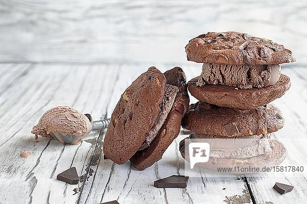 Eissandwiches mit Schokoladeneis