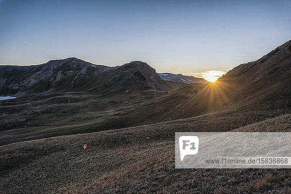 Sonnenuntergang in der Maroon Bells-Schneemassen-Wildnis