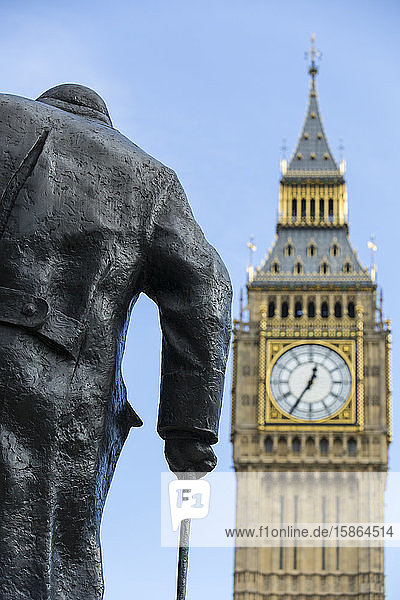 Houses of Parliament  UNESCO World Heritage Site  and Churchill statue in Parliament Square  London  England  United Kingdom  Europe