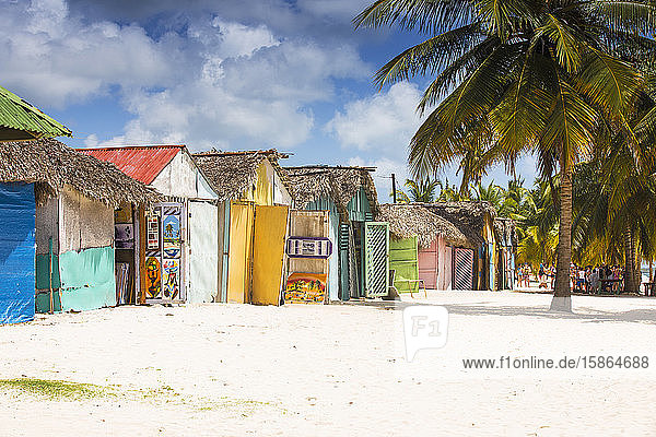 Mano Juan  a picturesque fishing village  Saona Island  Parque Nacional del Este  Punta Cana  Dominican Republic  West Indies  Caribbean  Central America