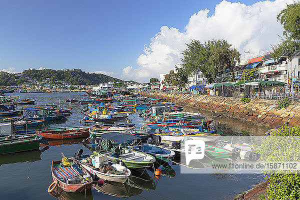 Fishing boats in harbour  Cheung Chau  Hong Kong  China  Asia