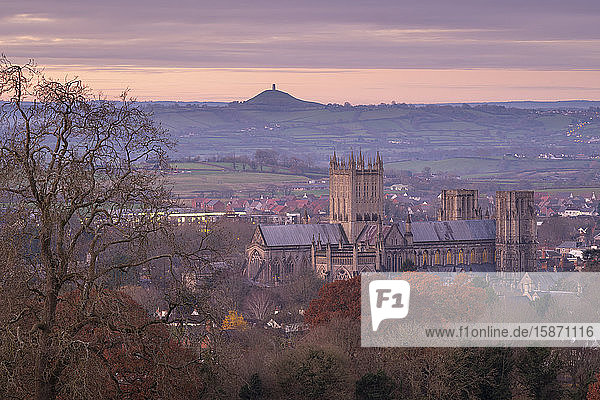 Wells Cathedral and Glastonbury Tor at dawn in winter  Wells  Somerset  England  United Kingdom  Europe