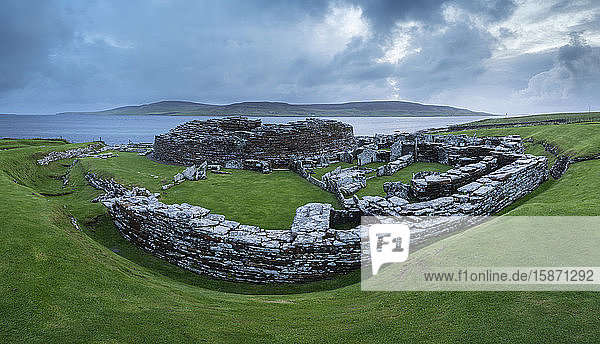 Broch of Gurness  an Iron Age village on the Mainland island of Orkney  Scotland  United Kingdom  Europe