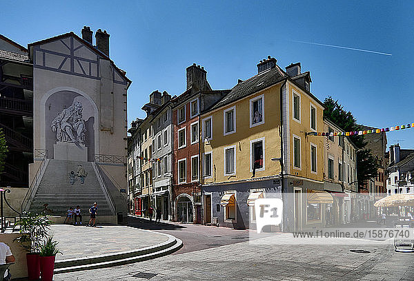 France  Chalon-sur-Saône city  Place du Théâtre  street arts in Theater Square  mural  Optical Illusion