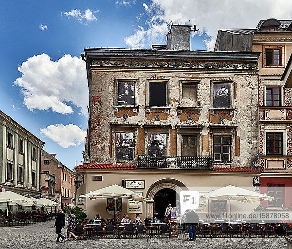 Europe  Poland  Lublin province  Lublin city  the Market Place ' Rynek ' in the old town  Mandragora restaurant
