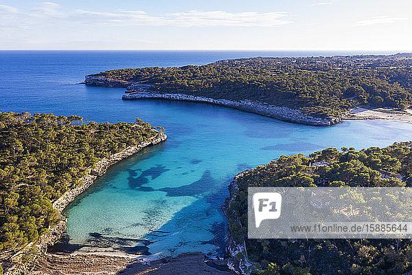Spanien  Balearen  Santanyi  Luftaufnahme der Cala Mondrago im Mondrago-Naturpark