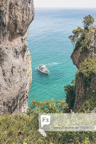 Spanien  Canrabria  Klippen am Faro del Caballo