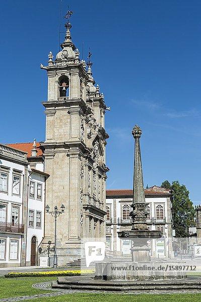 Santa Cruz or Holy Cross Church  Carlos Amarante square  Braga  Minho  Portugal.