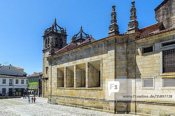 Side view of Da Sé Cathedral  Braga  Minho  Portugal.