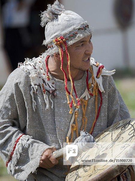 A Shaman recounting the myth. Folk Festival commemorating the origin myth the Tien Shan Maral (Tian Shan wapiti)  an origin myth of the Kyrgyz tribes. Near Tasch Baschat  Naryn region. Asia  Central Aisa