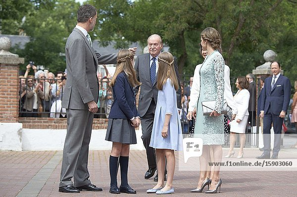 King Felipe VI of Spain  Queen Letizia of Spain  Princess Sofia  Crown Princess Leonor  King Juan Carlos of Spain  Queen Sofia of Spain arrived Asuncion de Nuestra Senora Church for the First Communion of Princess Sofia on May 17  2017 in Aravaca near of Madrid.King Felipe VI has decided to renounce the inheritance of King Juan Carlos of Spain 'that could personally correspond to him ' announced this Sunday the Casa del Rey  in a statement in which he also advances that King Juan Carlos of Spain stops receiving the assignment he has fixed in the Budgets of the House of SM the king.