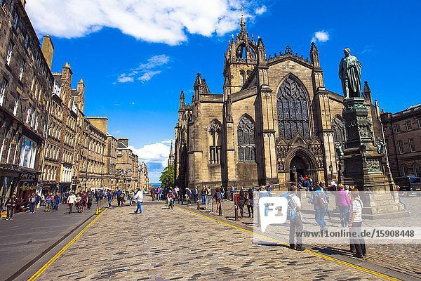 St Giles' Cathedral  or the High Kirk of Edinburgh  Royal Mile  High Street  Old Town  Edinburgh  Scotland  United Kingdom  Europe.