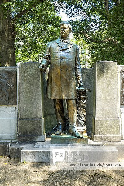 Zebulon Baird Vance statue memorial confederate soldier in Raleigh a city in NC North Carolina and current state capitol capital statehouse.