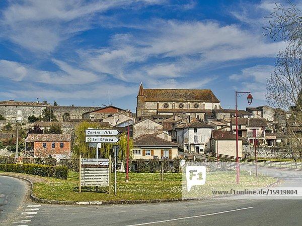 View of village from the west with Eglise Saint Etienne  Lauzun  Lot-et-Garonne Department  Nouvelle Aquitaine  France.