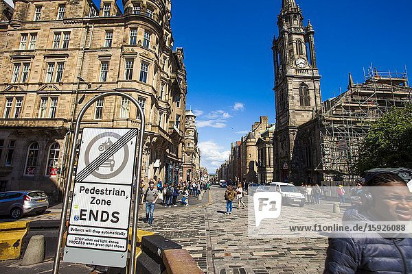 Pedestrian Zone signal  Royal Mile  Old Town  Edinburgh  Scotland  United Kingdom  Europe.